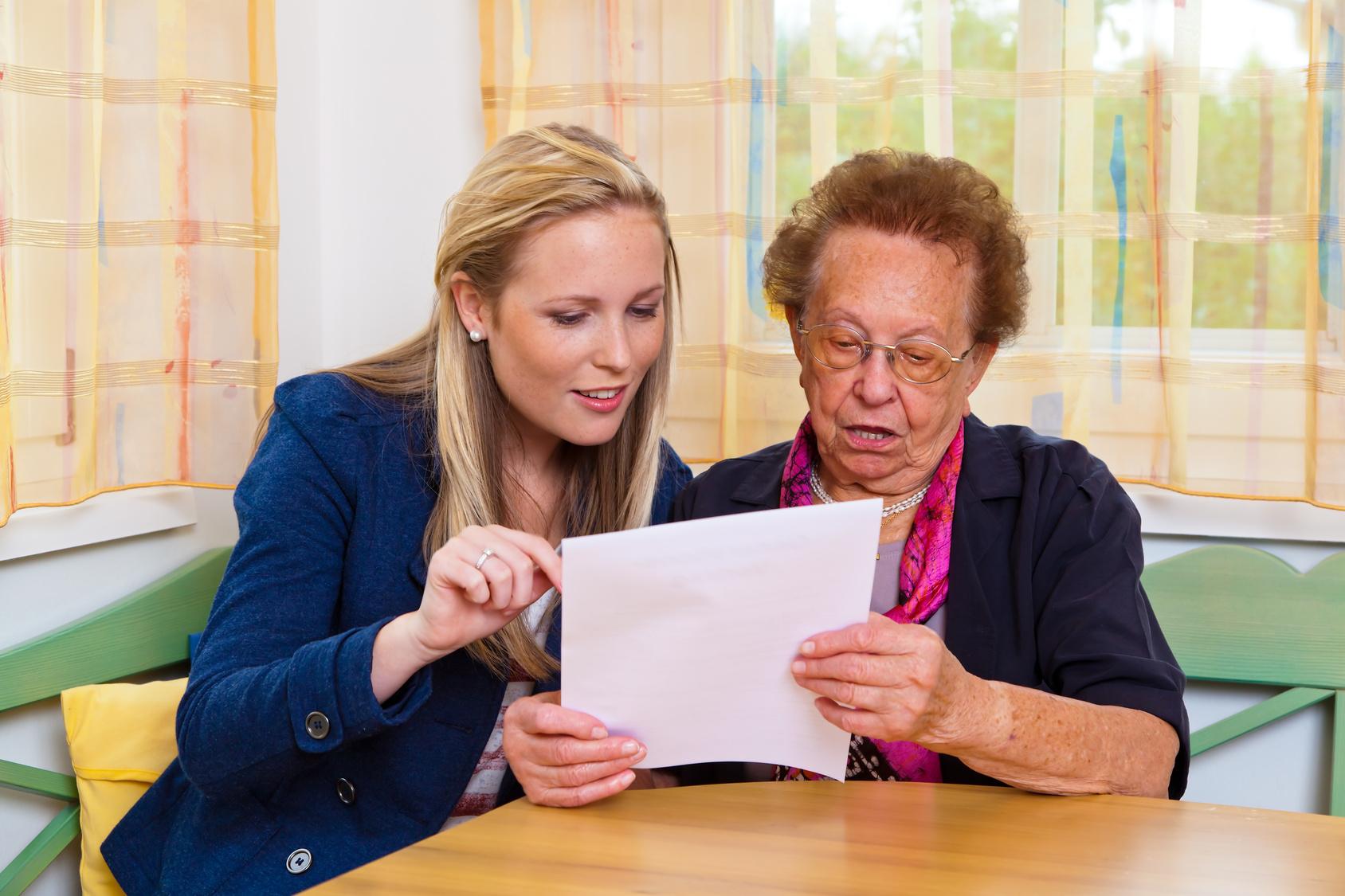 Maison de retraite la visite de pr admission for Accueil temporaire en maison de retraite