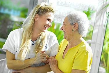 La maison de retraite alzheimer ou cantou for Aide maison retraite